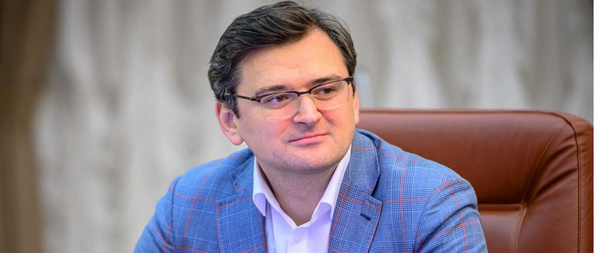 Двох співробітників посольства України в Польщі спіймали на контрабанді