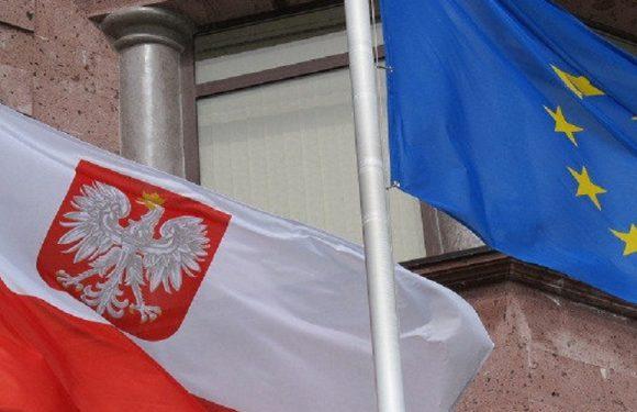Українці не звільняються від карантину: уряд Польщі оголосив нові правила для осіб, котрі повертаються з-за кордону