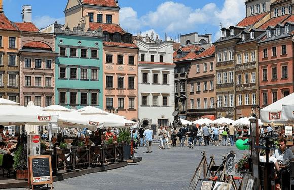 Польща розморожує економіку після пандемії