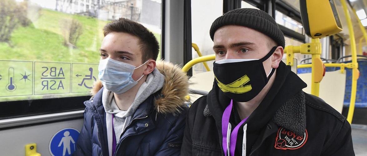 За добу в Польщі було зафіксовано понад 3 тисячі людей без захисних масок
