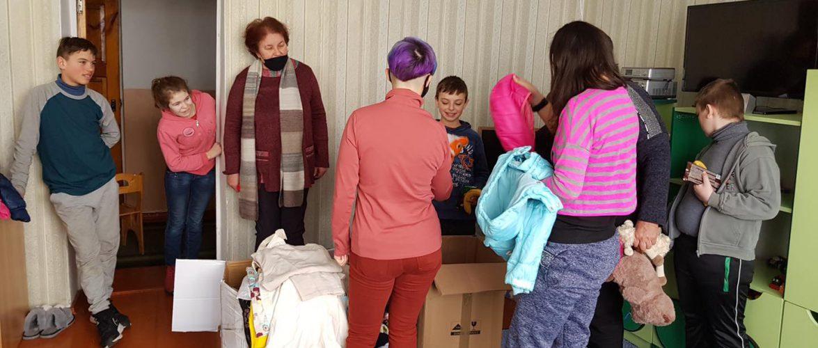 Українці в Польщі об'єднуються та допомагають дітям землякам з нелегкою долею
