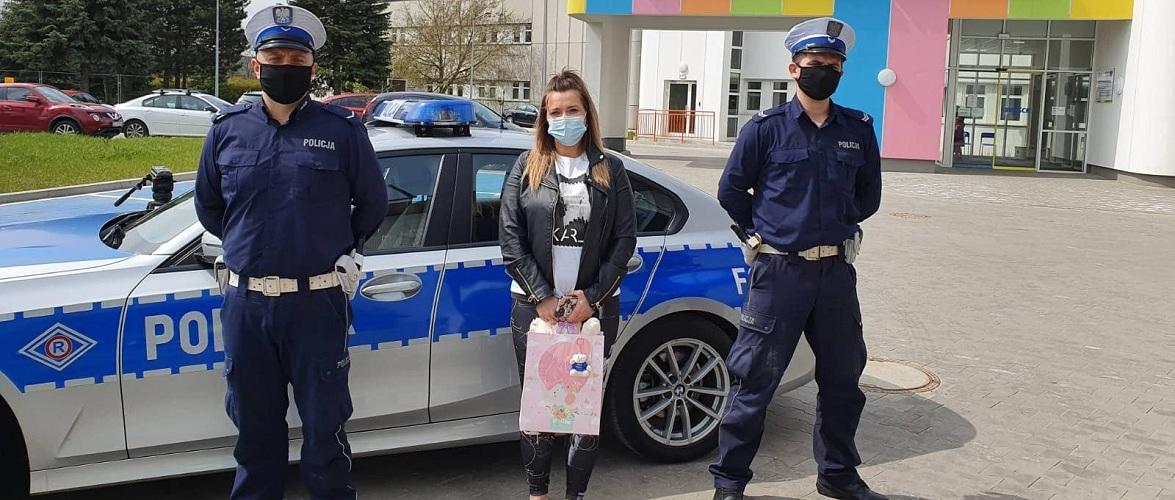 У Польщі поліцейський врятував двомісячну дитину
