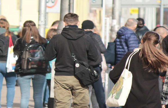 Уряд Польщі планує пом'якшення обмежень перед травневими святами