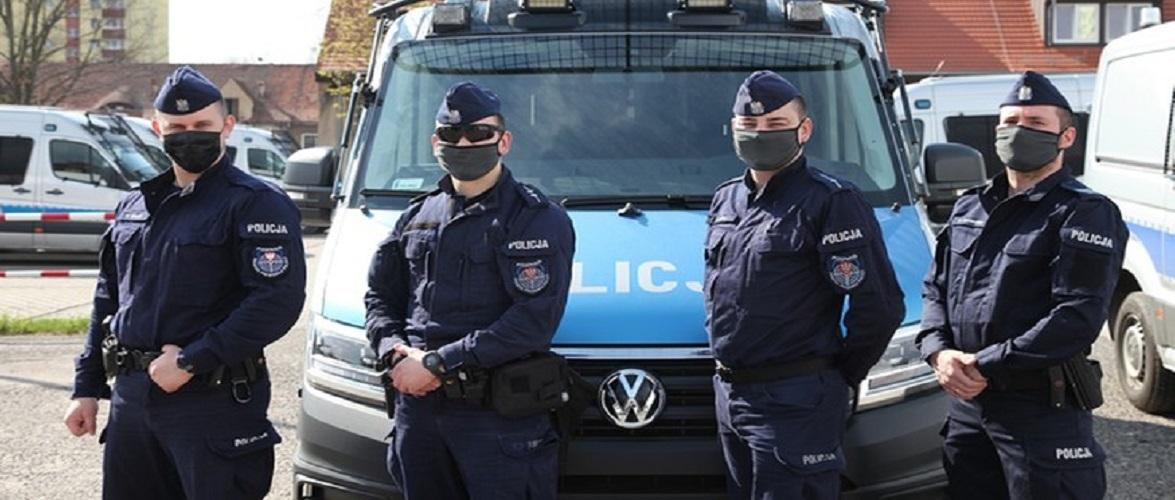 Поліцейський в Польщі врятував від смерті півторарічну дитину