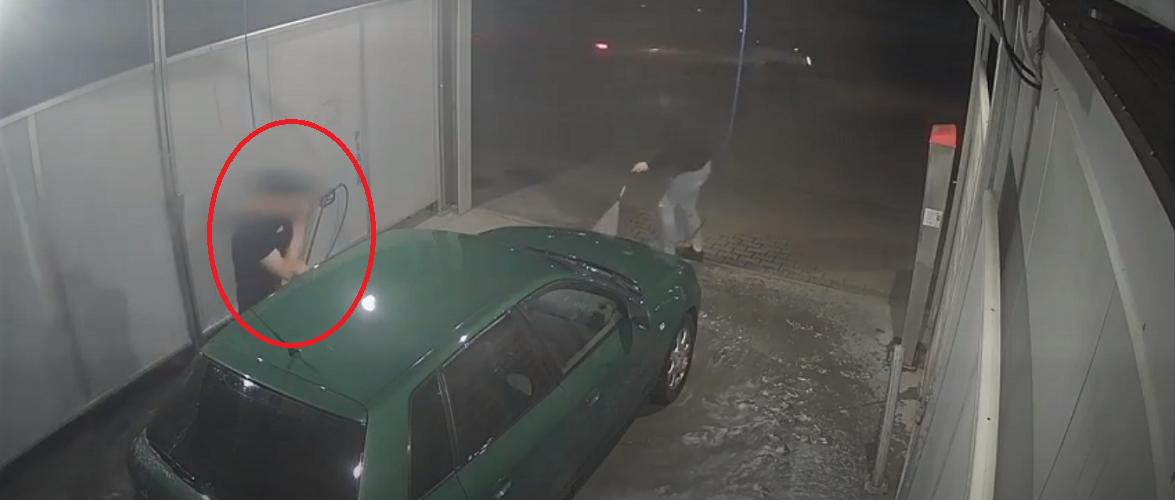 В Польщі жінка врятувала авто від крадіжки: залила злодія водою [+ВІДЕО]