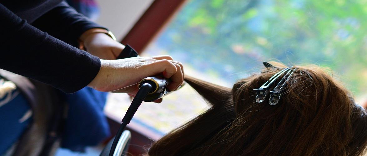 З 26 квітня в Польщі працюють перукарні, а діти повертаються до навчання в школах