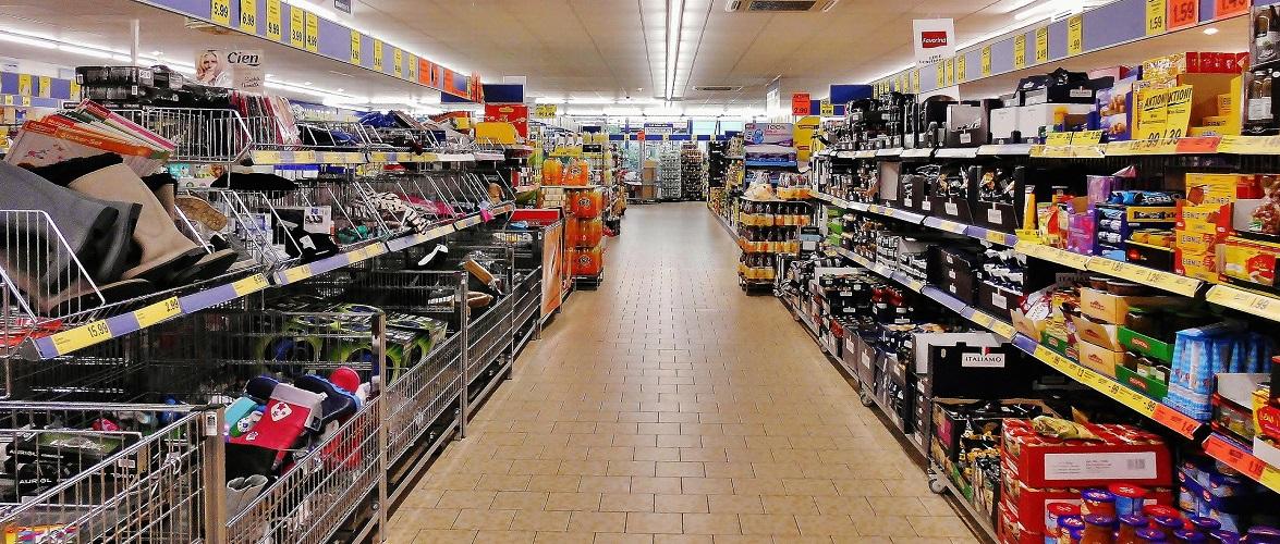 Як працюватимуть магазини у Польщі у Великодню суботу 3 квітня?