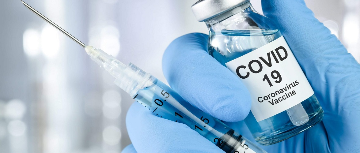 Вакцинація неефективна? В Польщі вакциновані люди хворіють на коронавірус