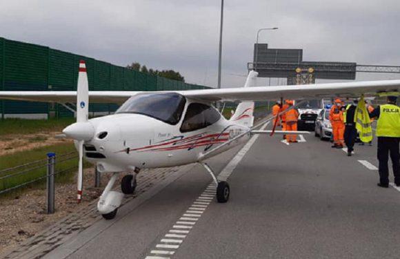 На автостраді у Польщі сів літак