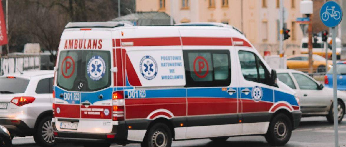В Польщі померла жінка, бо дуже довго чекала приїзду швидкої: рятувальників виправдали