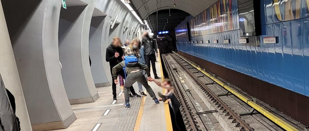 Через українця у Варшаві зупиняли лінію метро