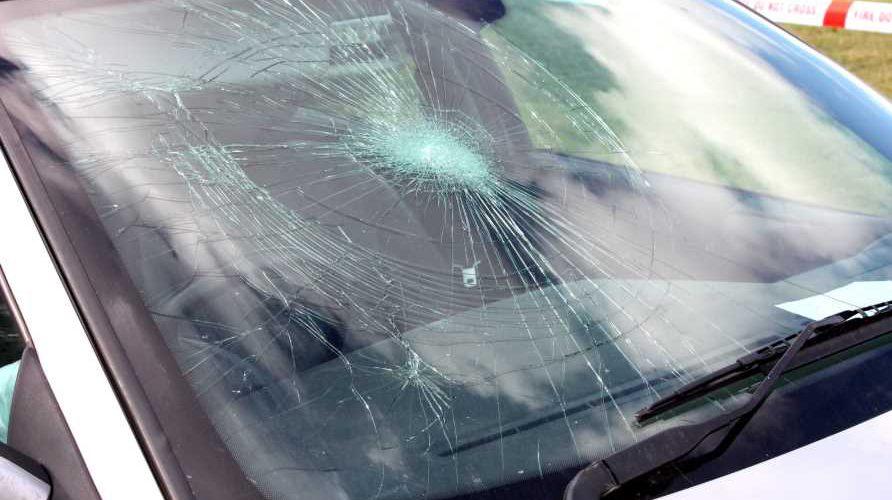 В Польщі українець хотів розважитись і кидав камінням в автівки