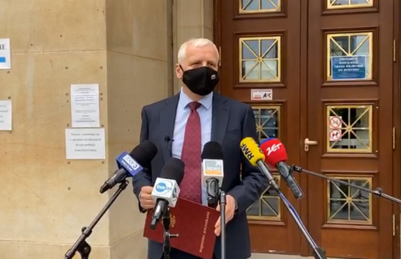 Всіх жителів польського міста хочуть зобов'язати зробити примусові щеплення