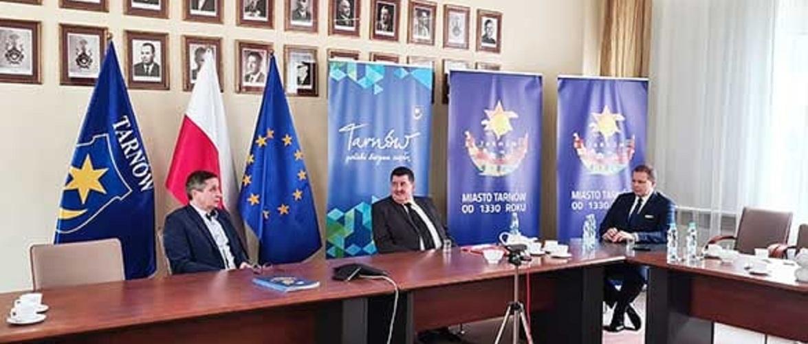 Польський Тарнув розриває співпрацю з Тернополем через Шухевича