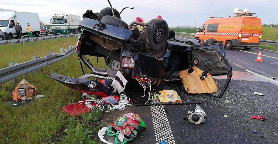 Біля Познані сталась смертельна ДТП: авто перекинулось, а пасажира переїхала вантажівка [+ФОТО]