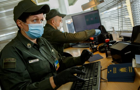 На польсько-українському кордоні відновлюють роботу всі пункти пропуску