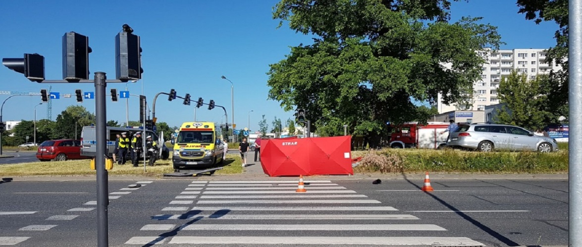 Страшна аварія в Польщі: авто в'їхало в пішоходів, є жертви