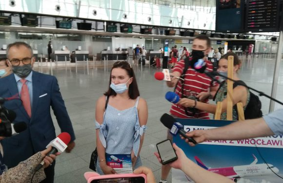 Українка стала 2-х мільйонним пасажиром WizzAir з Вроцлава