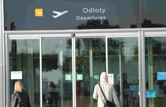Через дурний жарт в аеропорту Польщі жінку оштрафували і не впустили в літак