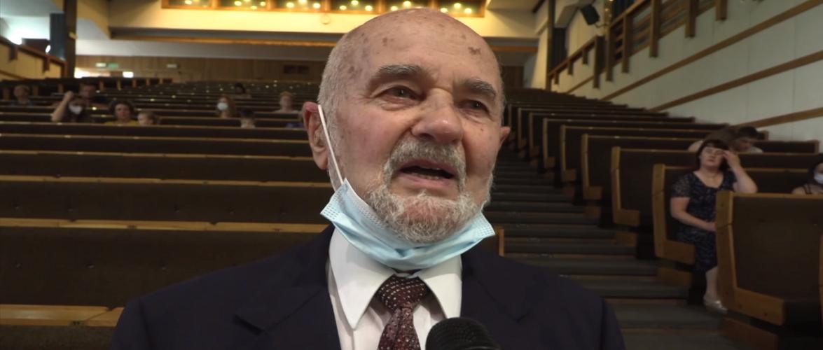 В Польщі 91-річний дідусь отримав диплом магістра