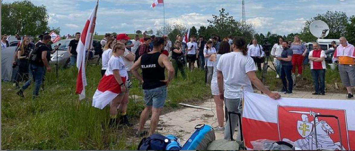 На польсько-білоруському кордоні активісти облаштували наметове містечко