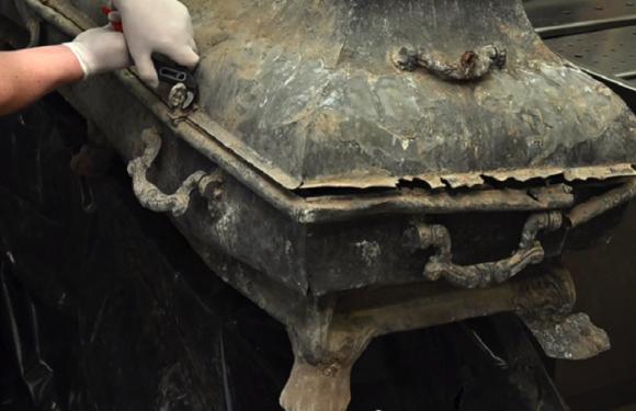 У Польщі знайшли труни з останками обезголовлених людей