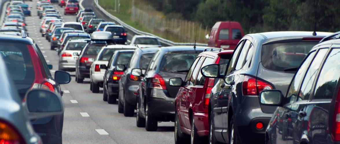 На трасі у Варшаві зіткнулося 6 автівок: на дорозі — пробки
