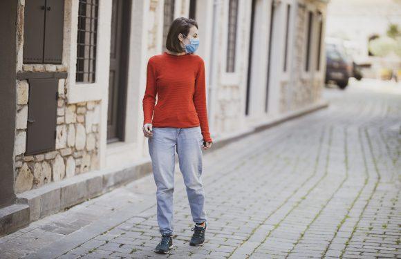 В Польщі маски слід носити ще ціле літо