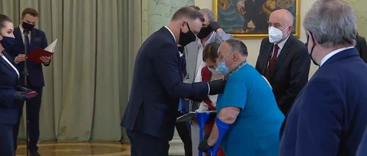 Президент Польщі нагородив українців, які допомагали полякам під час війни [+ВІДЕО]