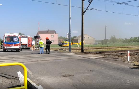 В Польщі авто зіткнулося з поїздом, бо дорожники не закрили шлагбаум