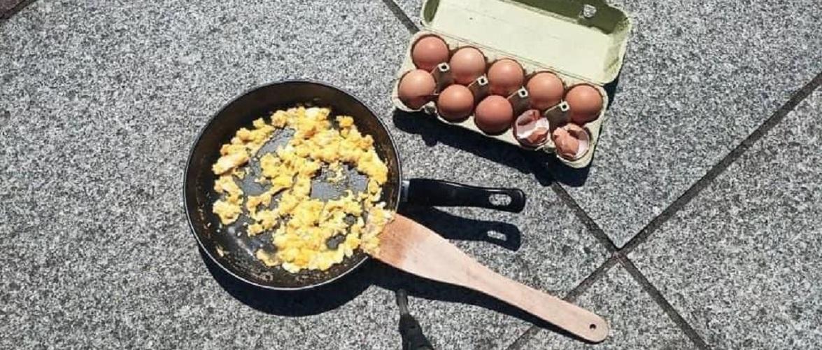 У Польщі на сонці засмажили яєчню, прямо на Ринковій площі [+ФОТО]