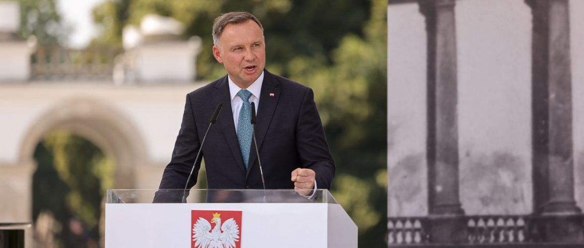 Президенту Польщі довіряє 45 % населення