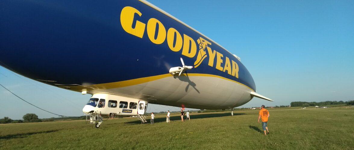 Дирижабль Zeppelin Goodyear Blimp над Вроцлавом. Як і коли його оглядати? (ВІДЕО)