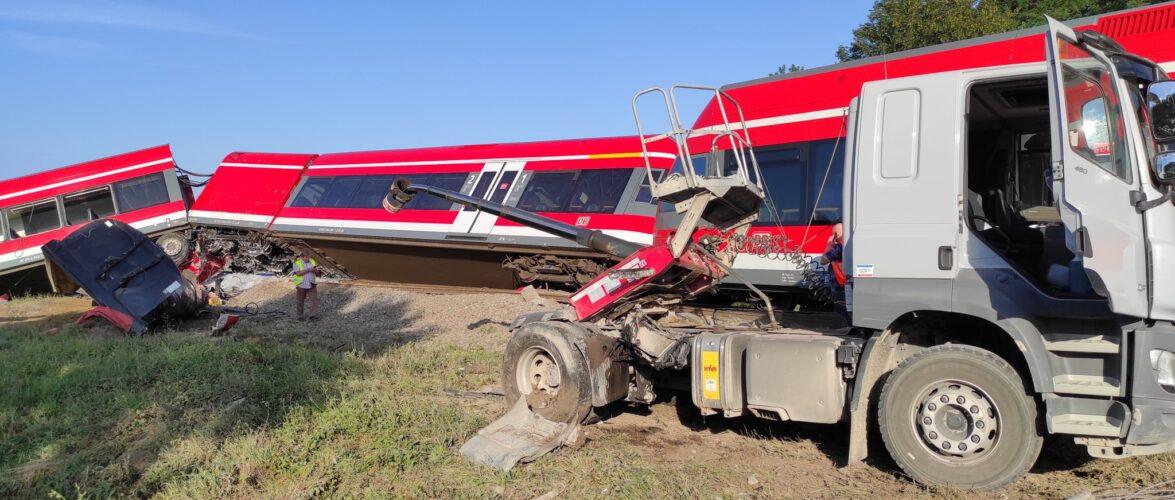 В Польщі пасажирський поїзд зійшов з рейок поблизу Щецина: 35 людей евакуювали