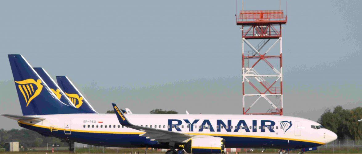 Пасажири запізнилися на рейс: продовження історії з українцями у Польщі та «королем літака»