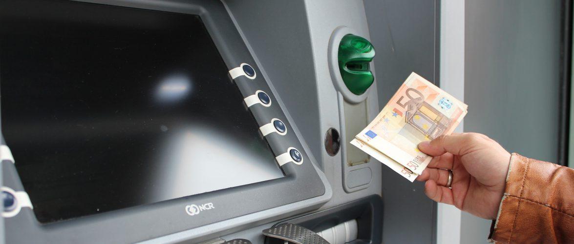 Двоє спритних українців пограбували банкомати в Польщі на мільйон злотих