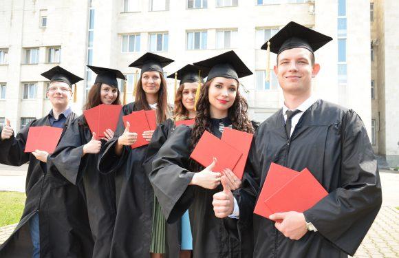 Як виглядає страхування студентів у Польщі після навчання?