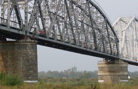 У Польщі під час робіт на залізничному мосту загинув громадянин України