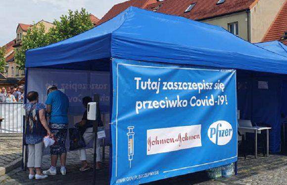 Більшість щеплених у Польщі на вихідних одноразовою J&J були громадянами України та Білорусі