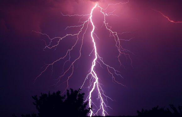 Сьогодні на Польщу знову чекають бурі з градом