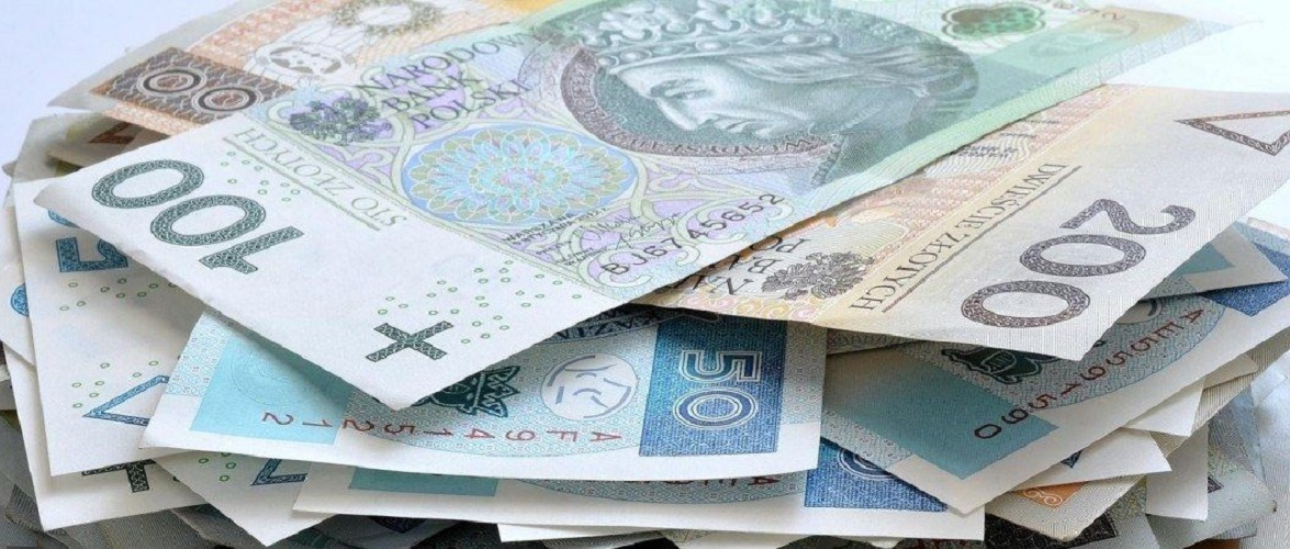 Заплату в «конверті» виправдовує половина громадян Польщі