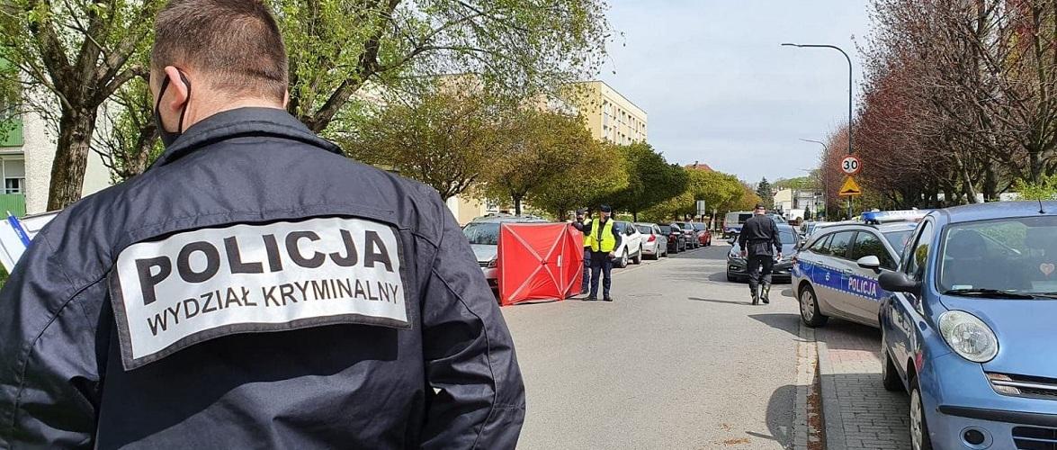 У Польщі на тротуарі на смерть збили маму та 4-річну доньку