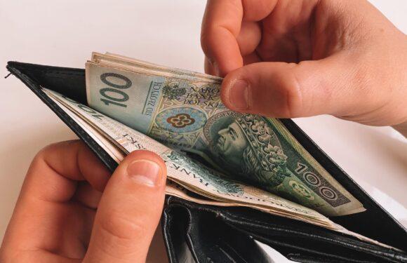 У Польщі змінюється критерій рівня доходів для отримання карти побиту та соціальної допомоги