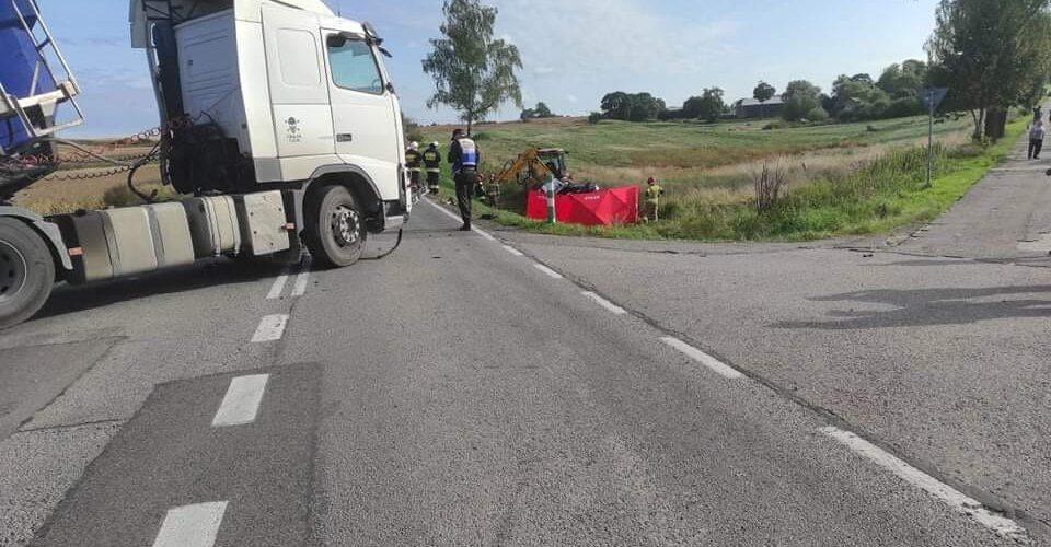 В Польщі вантажівка зіткнулась з легковиком: загинула жінка, а дитина потрапила до лікарні