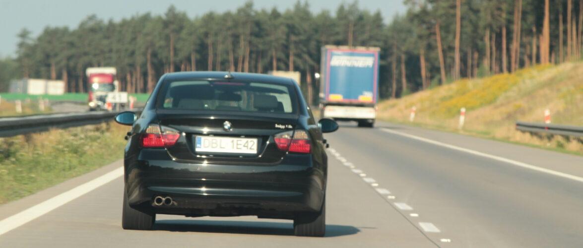 Невдовзі у Польщі не потрібно буде змінювати номерні знаки в автомобілі
