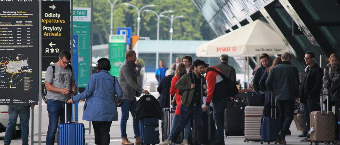У Польщі вже півмільйона іноземців отримали карти побиту