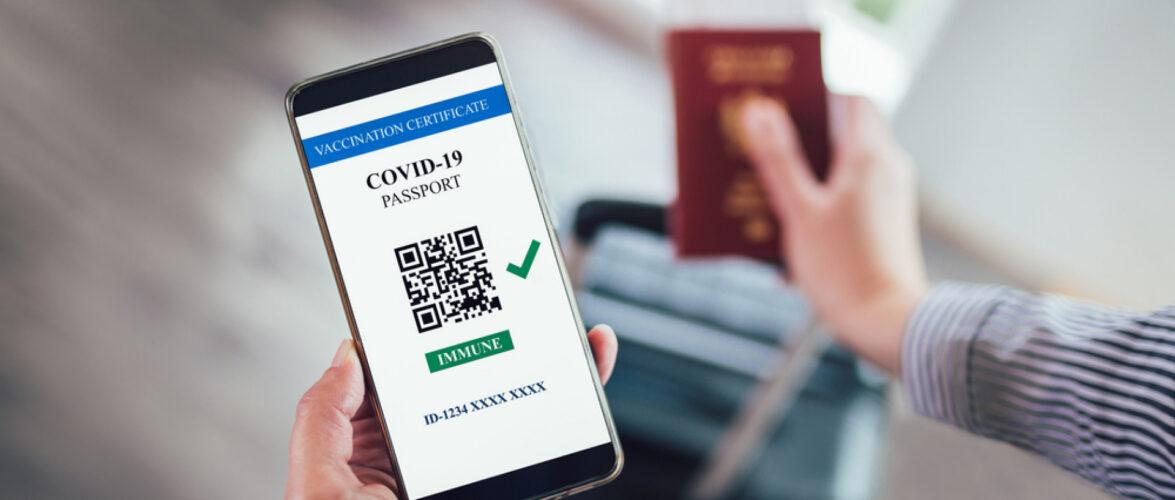 В аеропорту у Варшаві затримали українця з підробленим ковідним паспортом