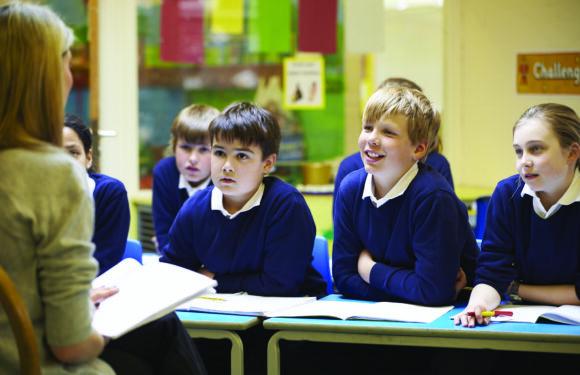 Школи в Польщі готуються до навчання: заклади почали отримувати засоби захисту від ковіду