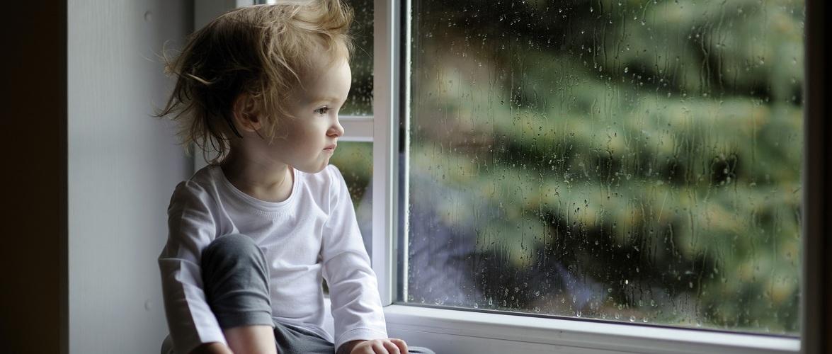 У Сілезії голодна дворічна дитина ходила по підвіконню