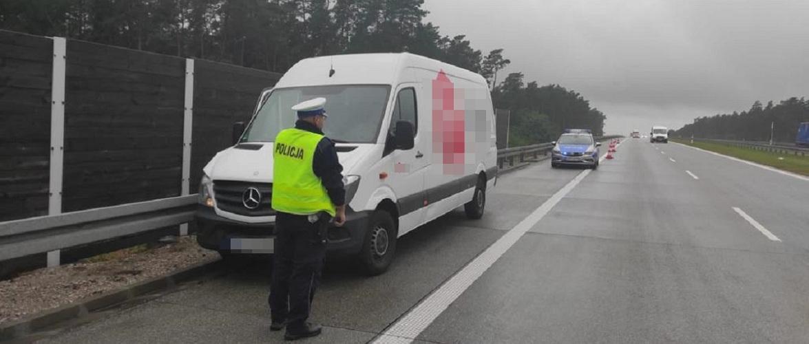 Погоня зі стріляниною — в Польщі затримували українця на вкраденому мікроавтобусі [+ФОТО]